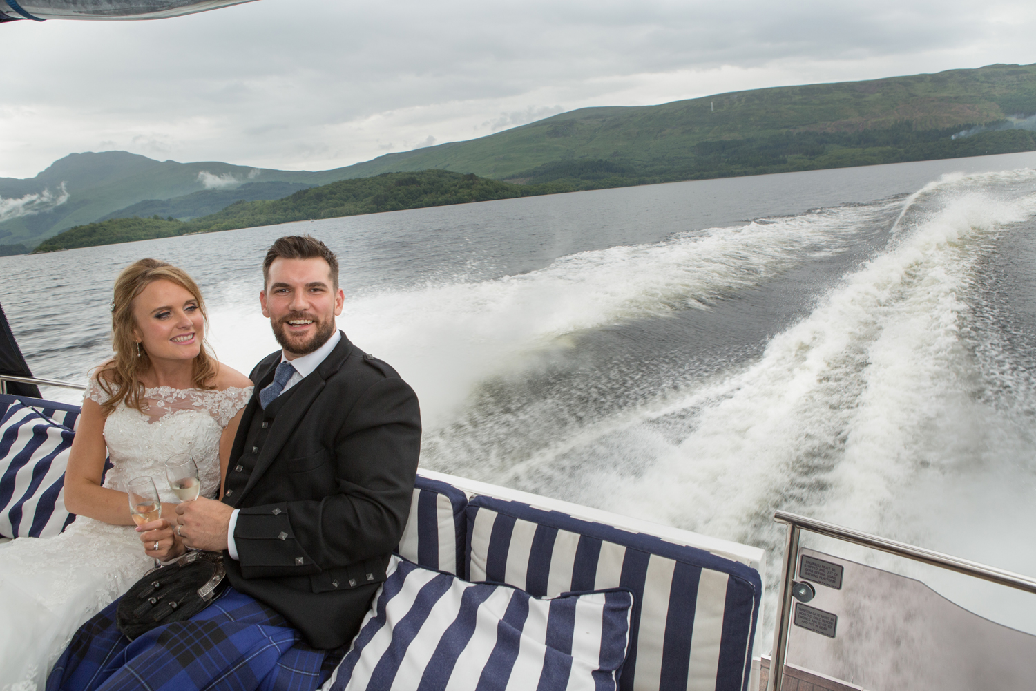 Wedding-photography-Lodge-on-The-Loch-014