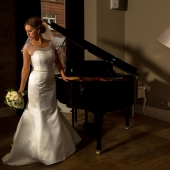 Wedding-photography-Glasgow-city-Chambers-citation-375.jpg