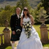 Wedding-photographers-Culcreuch-Castle-019.jpg
