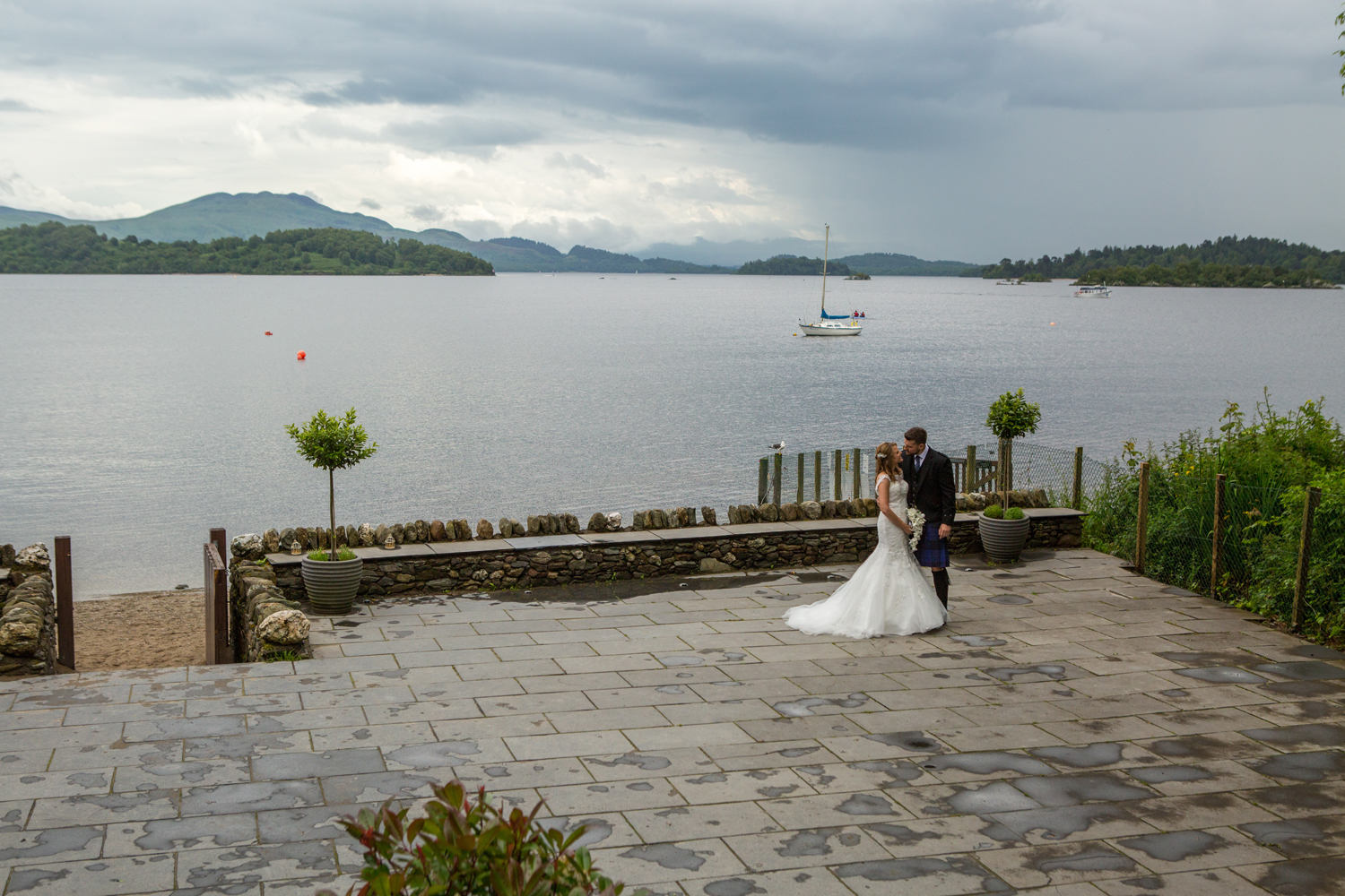 Wedding-photography-Lodge-on-The-Loch-011