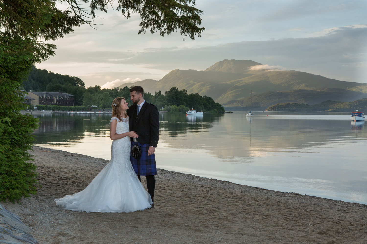 Wedding-photography-Lodge-on-The-Loch-028