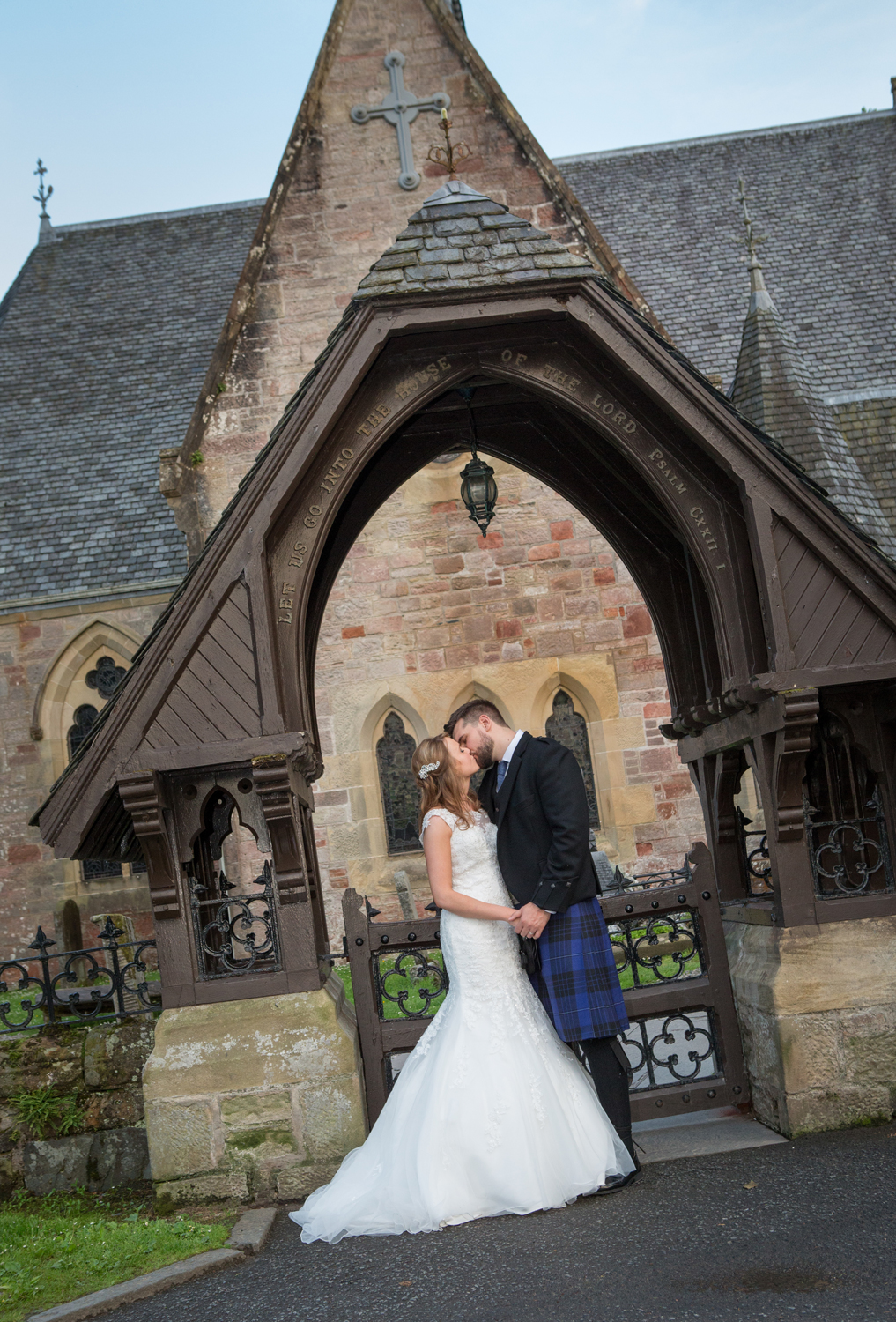 Wedding-photography-Lodge-on-The-Loch-029